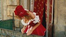 Александра Флоринская в костюме Красной Шапочки