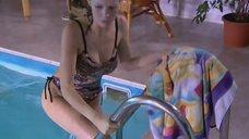 Александра Флоринская в купальнике