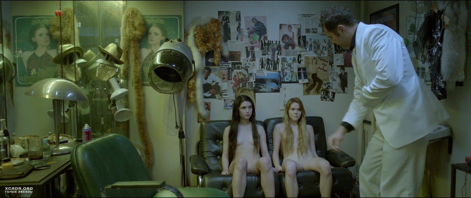 Марта Мазурек И Михалина Ольшанская Без Одежды – Дочери Танца (2020)