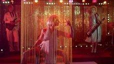 4. Магдалена Целецка танцует стриптиз – Дочери танца