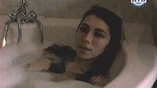 2. Ирина Мельник принимает ванну – Тупик