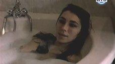4. Ирина Мельник принимает ванну – Тупик