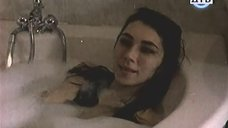 5. Ирина Мельник принимает ванну – Тупик