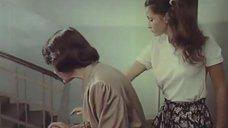 6. Молодая Ольга Кабо в футболке без бюстгальтера – Провинциалки