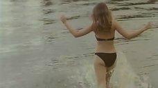 10. Ольга Кабо в купальнике на пляже – Провинциалки
