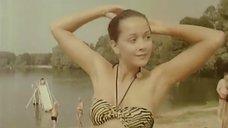 2. Ольга Кабо в купальнике на пляже – Провинциалки