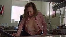 Секс сцена с Ребеккой Амзаллаг на кухне