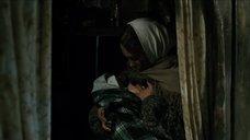 5. Дарья Екамасова кормит грудью – Жила-была одна баба