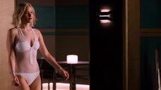 1. Дженнифер Лоуренс плавает в бассейне в невесомости – Пассажиры