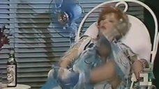 2. Засвет Татьяны Лавровой в спектакле «Молочный фургон не останавливается больше здесь»