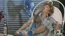 3. Засвет Татьяны Лавровой в спектакле «Молочный фургон не останавливается больше здесь»