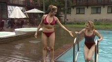 Марианна Семенова и Анна Миклош в купальниках