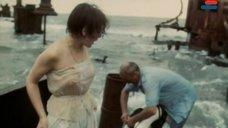 1. Полностью голая Анна Молчанова – Дожди в океане