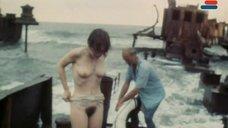 3. Полностью голая Анна Молчанова – Дожди в океане