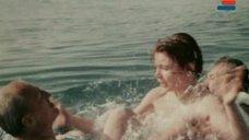 14. Мокрая грудь Анны Молчановой – Дожди в океане
