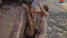 3. Мокрая и сексуальная Анна Молчанова – Дожди в океане