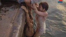 4. Мокрая и сексуальная Анна Молчанова – Дожди в океане
