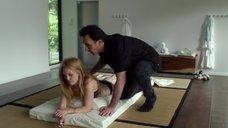 Джулианна Мур в нижнем белье на сеансе у терапевта