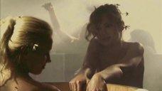 3. Татьяна Остап, Даша Чаруша и Снежана Гладнева парятся в бане – А зори здесь тихие... (2006)