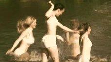 5. Татьяна Остап, Даша Чаруша и Снежана Гладнева купаются в речке – А зори здесь тихие... (2006)