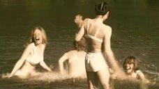 6. Татьяна Остап, Даша Чаруша и Снежана Гладнева купаются в речке – А зори здесь тихие... (2006)