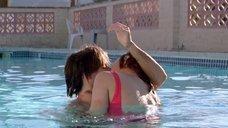 7. Секс с Екатериной Голубевой в бассейне – 29 пальм