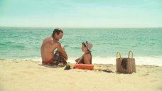 3. Пенелопа Крус в купальнике на пляже – Сахара