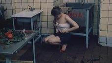 2. Полностью обнаженная Людмила Бодрова на кухне – Ночь длинных ножей