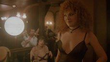 Татьяна Догилева в откровенном платье в борделе