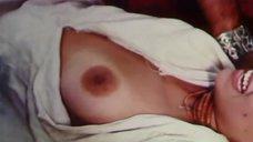 5. Голая грудь Оксаны Дроздовой – Черная долина