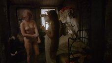 3. Обнаженная Елена Кольчугина моется в тазике – Яма (1990)