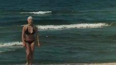 Светлана Селезнева в купальнике