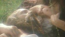 2. Тамара Тана кормит грудью – Феофания, рисующая смерть