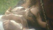 7. Тамара Тана кормит грудью – Феофания, рисующая смерть