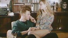 5. Секси Наталья Флоренская в рубашке – Полтергейст – 90