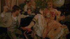 3. Ирина Цывина с расставленными ногами – Яма (1990)