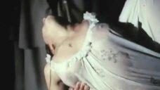 2. Ольга Чиповская засветила грудь в мокрой сорочке – Затишье