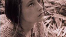 3. Декольте Екатерины Шадриной – Свой среди чужих, чужой среди своих