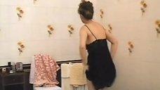 1. Людмила Шевель снимает трусики – Без улик