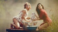 11. Секси Александра Попова, Александра Савельева и Ирина Тонева в клипе «Бабочки»