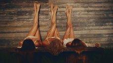 14. Секси Александра Попова, Александра Савельева и Ирина Тонева в клипе «Бабочки»
