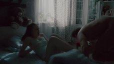 7. Эро сцена с Яной Енжаевой – Бесстыдники (Россия)