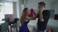 4. Екатерина Кабак топлесс перед зеркалом – Бесстыдники (Россия)