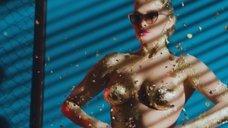 Эротичная Татьяна Котова в клипе «Танцуй»