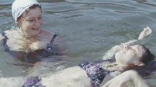 Альбина Матвеева и Наталья Варлей в купальниках