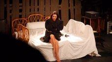 Соблазнительная Анна Ковальчук в спектакле «Все мы прекрасные люди»