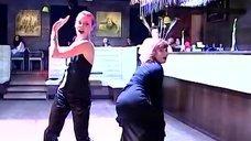 Развратный танец Лады Дэнс и Жанны Эппле