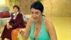 3. Лолита Милявская в откровенном платье на передаче «Пусть говорят»