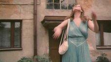 Любовь Руденко в платье без лифчика