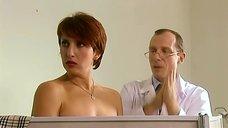 4. Доктор ощупывает Алику Смехову – Бальзаковский возраст или Все мужики сво...